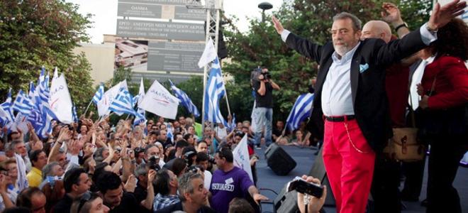 Άλλος ένας λεβέντης του κόμματος του κ. Καμμένου σε επίδειξη λεβεντιάς και αγάπης για τον ελληνικό λαό, τα είπε χύμα και τσουβαλάτα στο fb. Οι νεοταξίτες που ελέγχουν τη δικαιοσύνη απάντησαν ακαριαία : http://www.skai.gr/news/greece/article/223136/eisaggeliki-paremvasi-gia-to-sholio-arguropoulou-kata-stournara-sto-facebook/