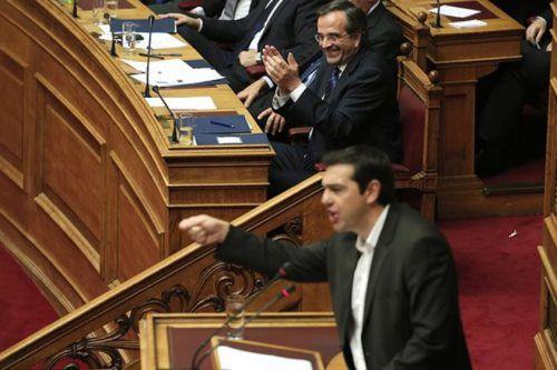 Το γέλιο είναι υγεία : ένας καλός λόγος να εμφανίζεται συχνότερα στη Βουλή ο κ. Σαμαράς